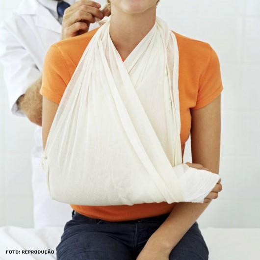 1º Socorros em caso de fraturas, primeiros socorros, atendimento em caso de fraturas